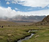 tsurpu monastery to yambajing hot spring, tibet trek